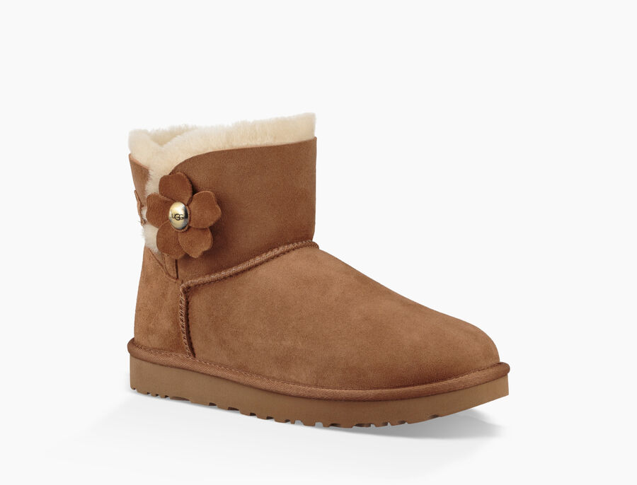 Mini Bailey Button Poppy  Boot - Image 2 of 6