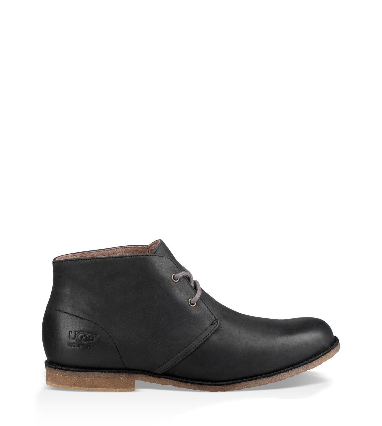 ecfa187ed62 Ugg Australia Leighton Leather Desert Boots