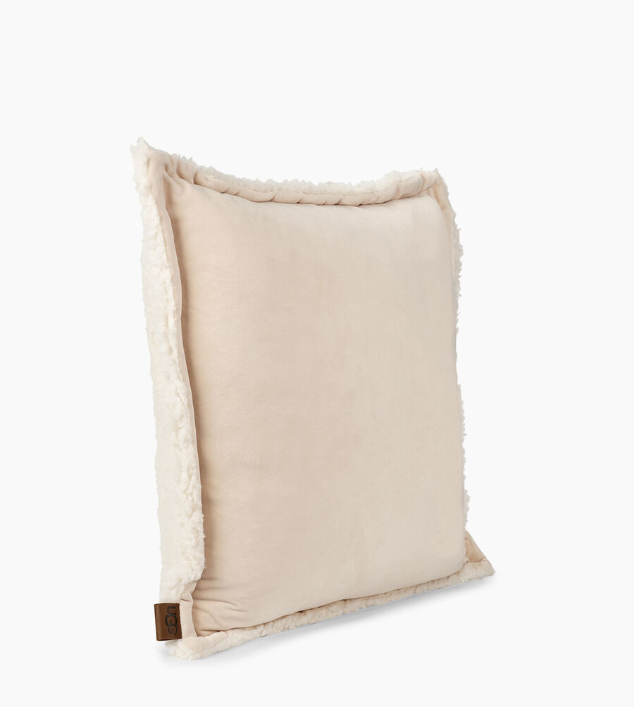 26b85bfb788 Home Collection Share this product Bliss Sherpa Pillow