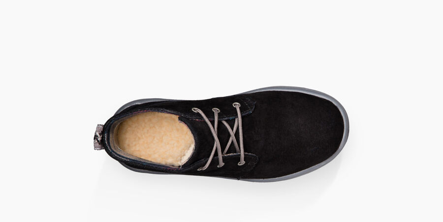 Canoe Suede - Image 5 of 6