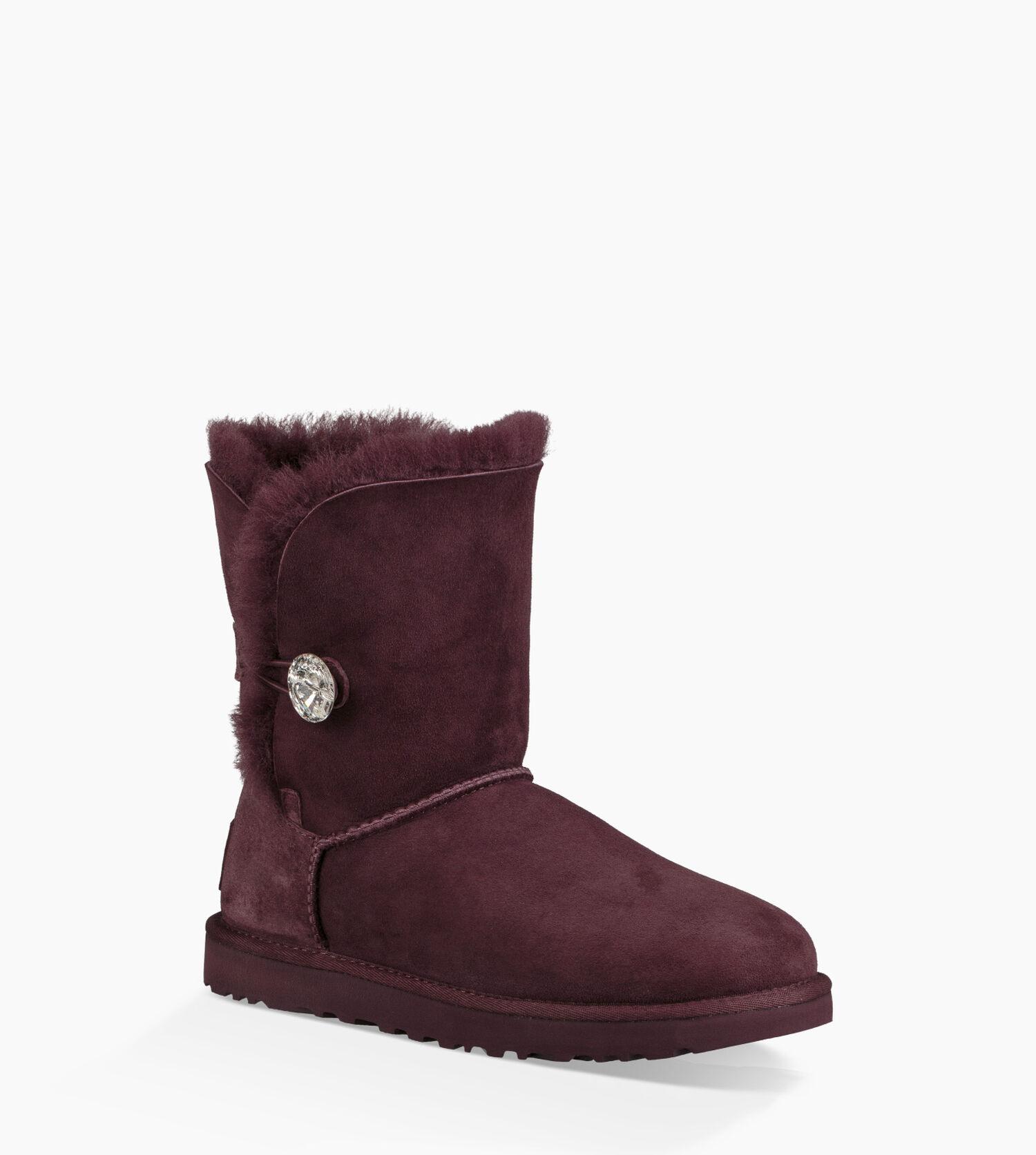 dbd255e90d3 ugg boots womens bailey button 5803 chestnut yogurt