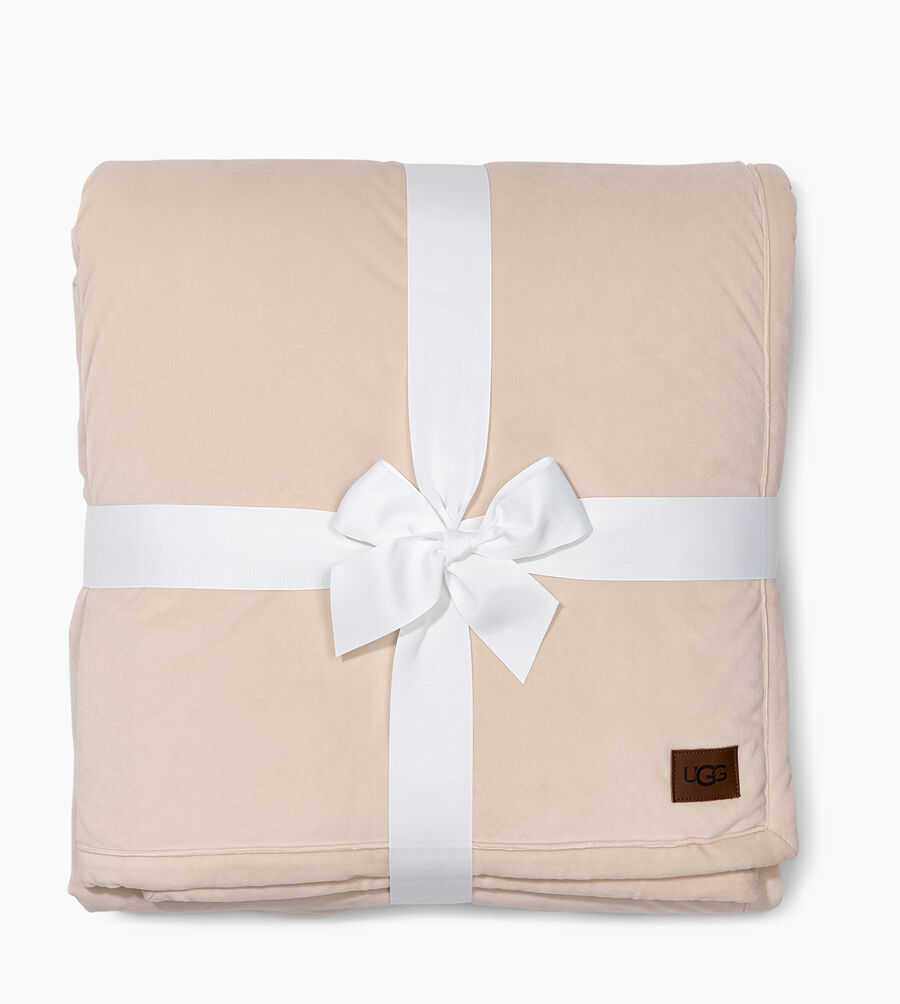 Bliss Sherpa Throw - Image 1 of 3