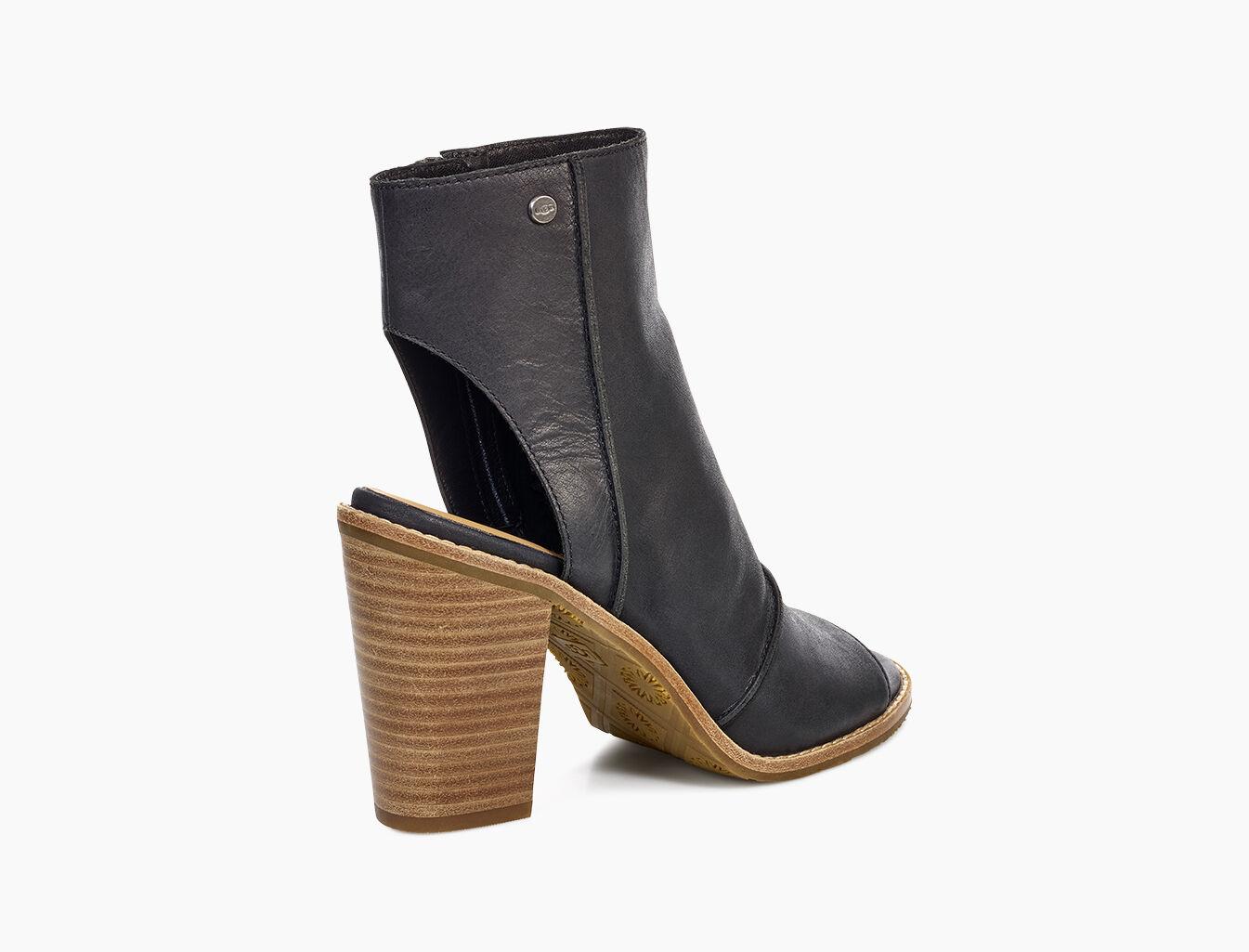 79bb0173ec9 Huge Deal on Ugg Women s Abela Open Toe Sheepskin Slide Sandals