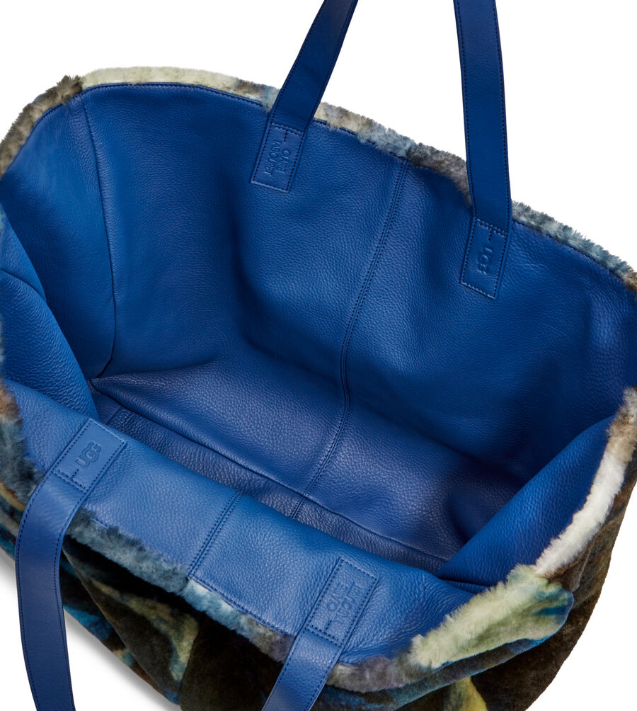 UGG X Claire Tabouret Tote - Image 4 of 5