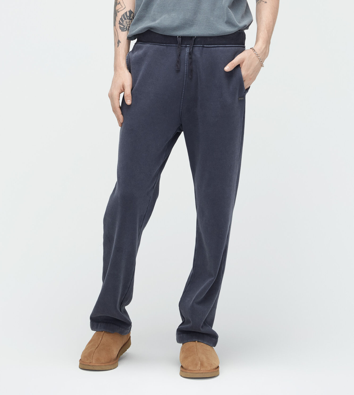 wyatt single guys Prana men's wyatt pant the only aspect of these that may be somewhat bad for back pocket users, is they only have a single back pocket on the right butt cheek.