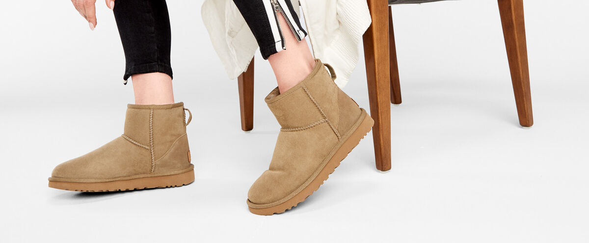 「UGG Women's Classic Mini II Sheepskin Boots - Antilope」的圖片搜尋結果