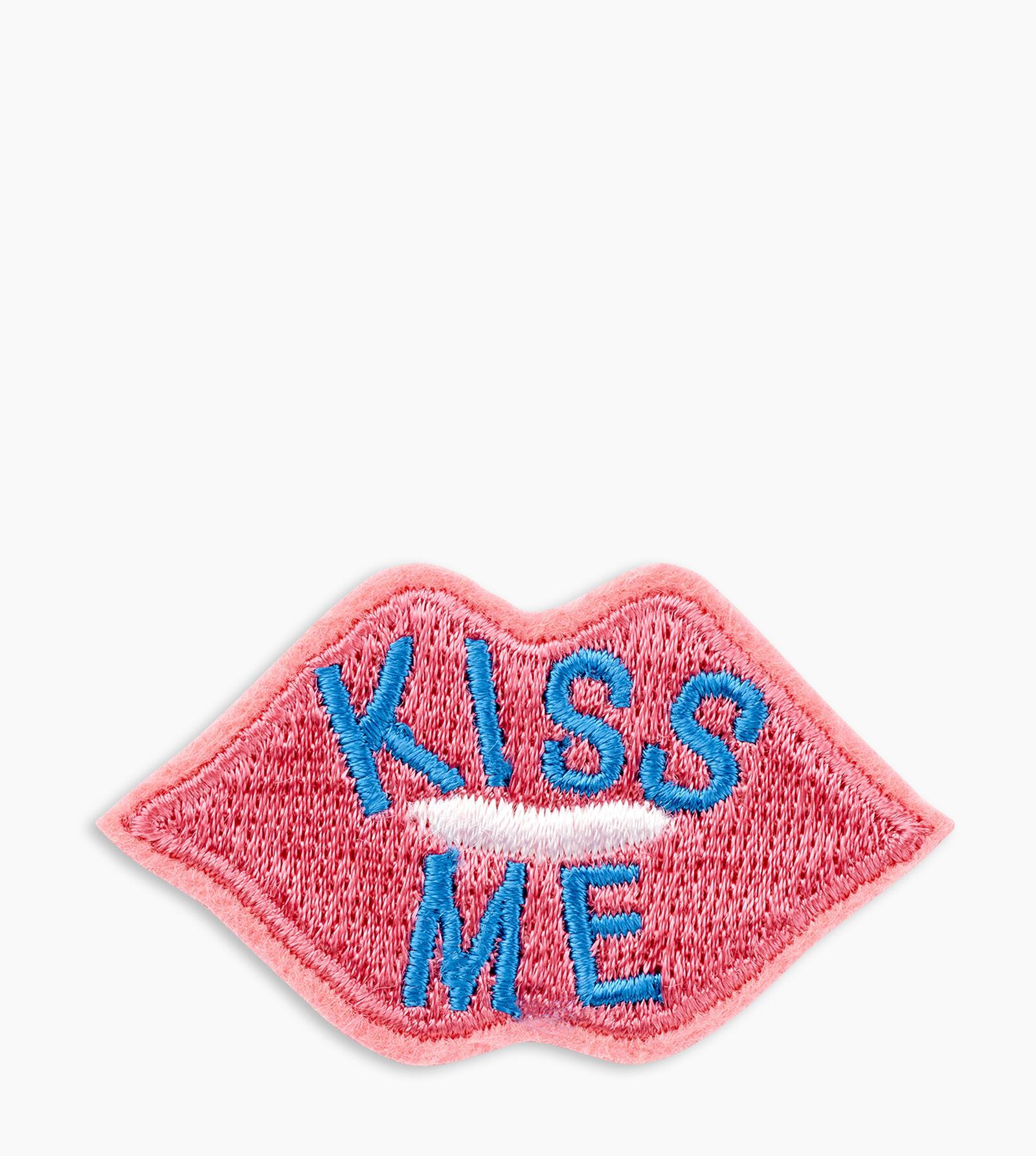 KISS ME LIPS