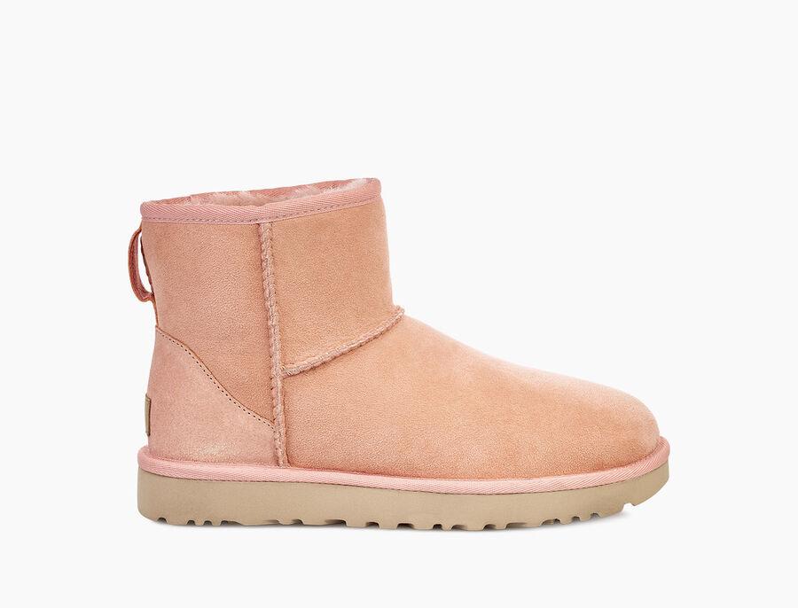 https://www.ugg.com/jp/classic-mini-ii/1016222.html?dwvar_1016222_color=BLK#start=1&cgid=women-boots-classic