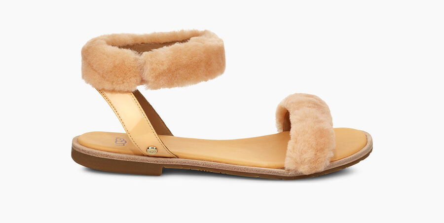 https://www.ugg.com/jp/fluff-springs/1101438.html?dwvar_1101438_color=SSD#start=3&cgid=women-sandals