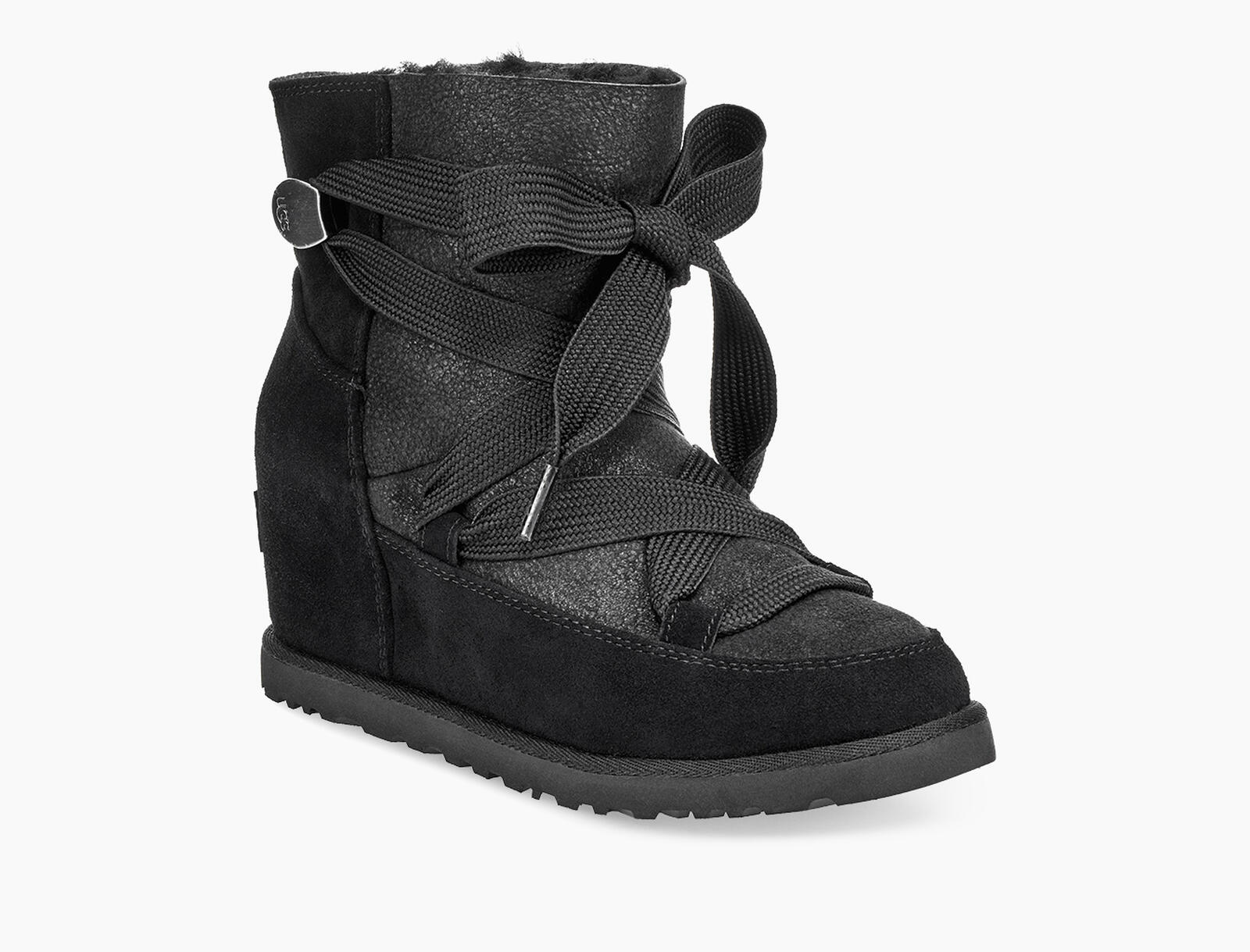 Classic Femme Lace-up Boot