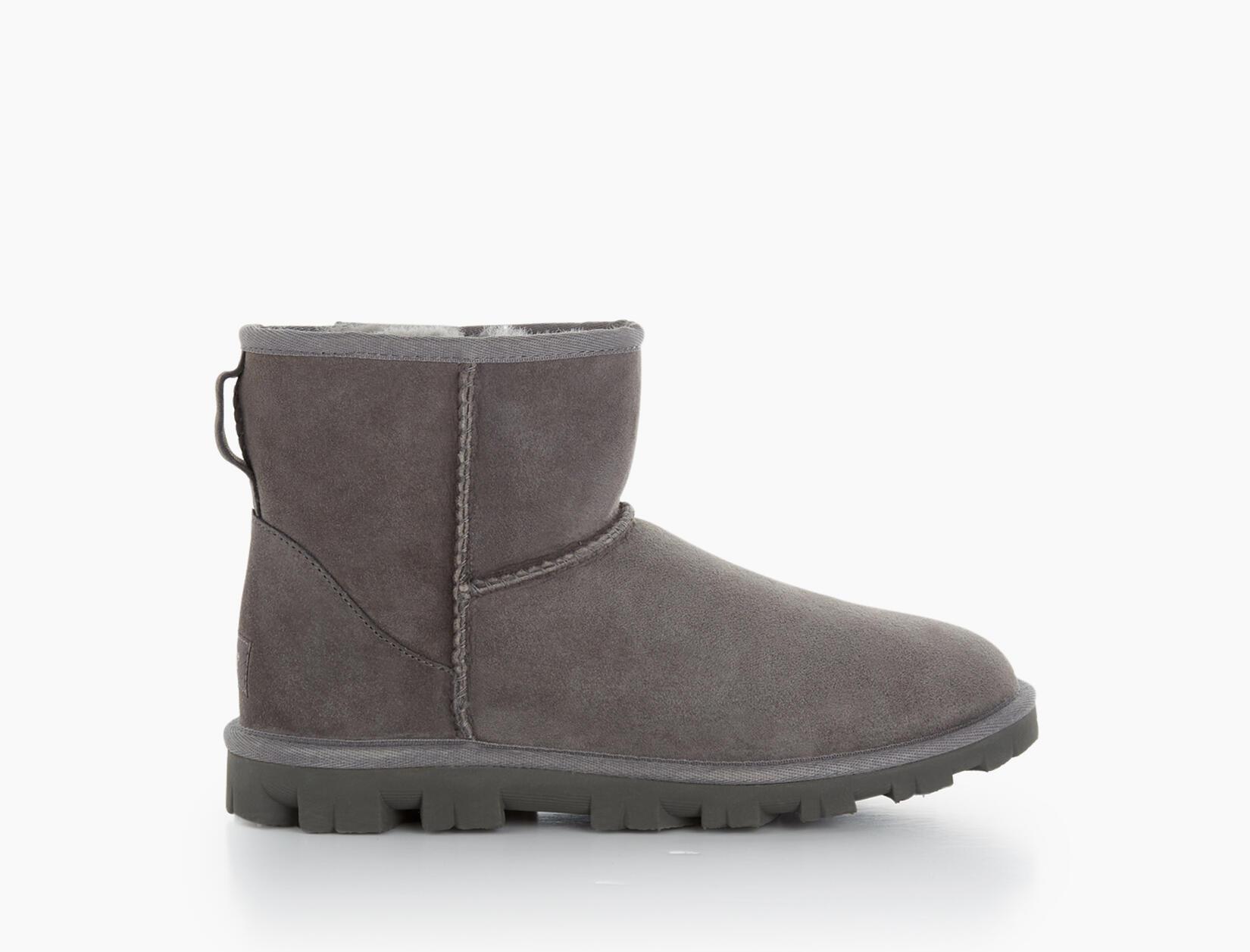 Essential Mini Classic Boot