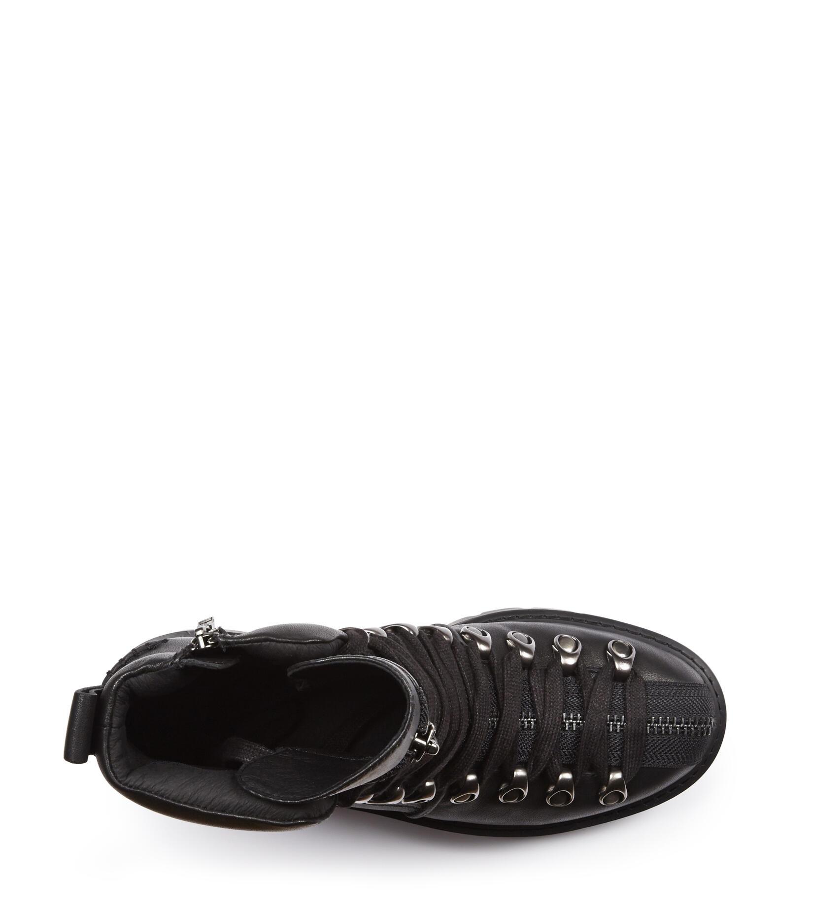 Hexa Boot